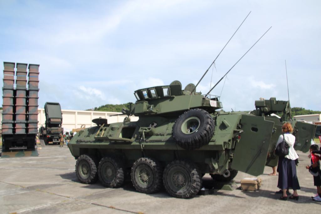 ギャラクシー通信ホワイトビーチフェスティバル2016その3:陸自・海兵隊装備展示『LAV-25』『03式中距離地対空誘導弾』