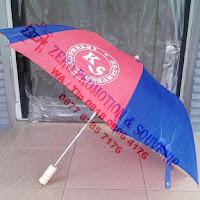 Souvenir Payung Lipat 2 Sarung Plastik gagang Kayu / Plastik Hitam