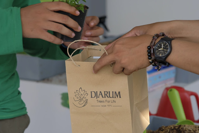 Candi Darling: Merawat Candi, Mencintai Bumi