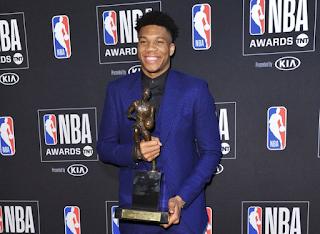 Ο Γιάννης Αντετοκούνμπο MVP του NBA - Το «ευχαριστώ» σε Έλληνες, Νιγηριανούς και στον πατέρα του