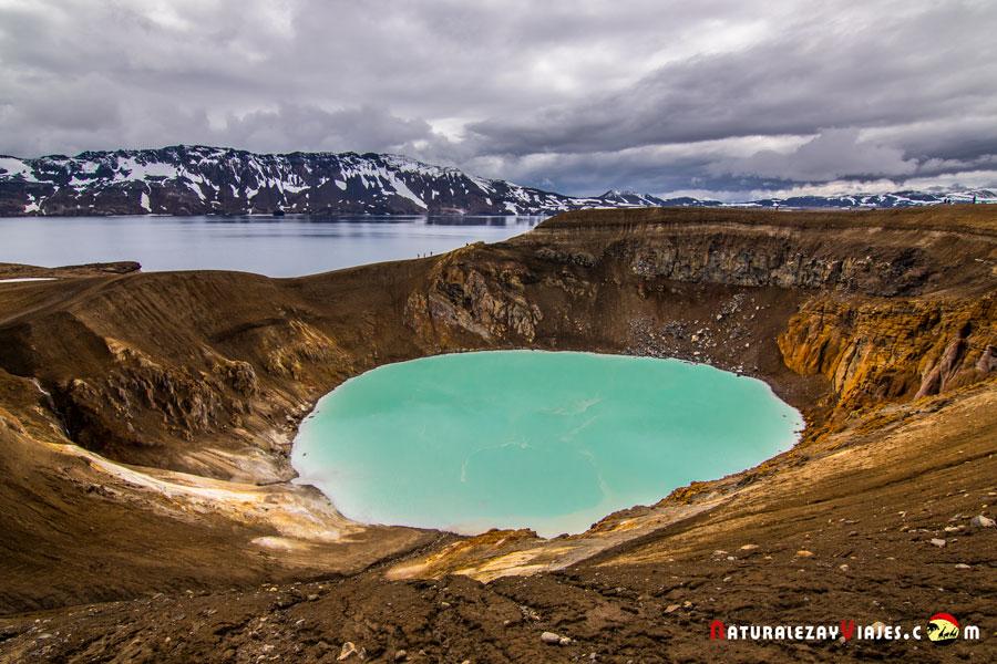 Caldera Askja, lago Öskjuvatn, Islandia