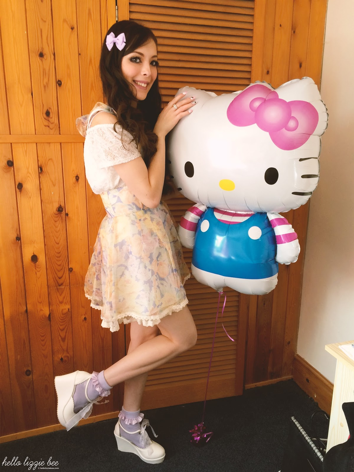 hello kitty birthday balloon