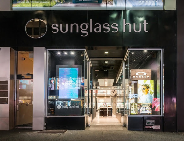 Loja da marca Sunglass Hut