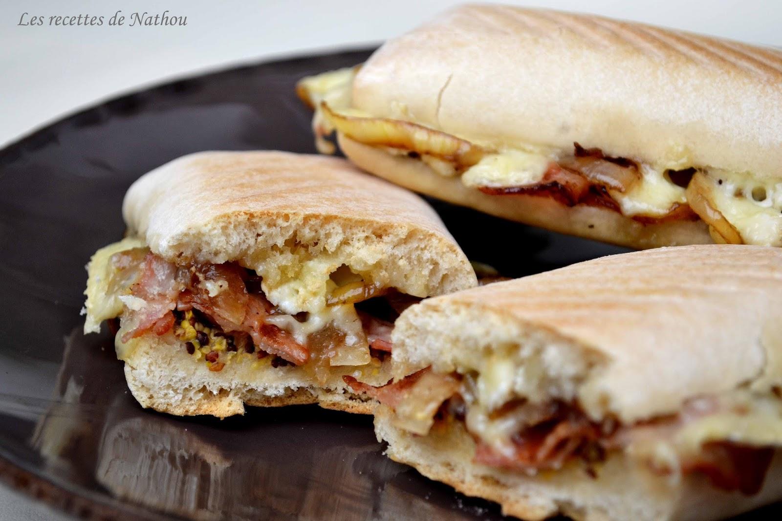 Ma cuisine au fil de mes idées...: Panini au brie, lard fumé, moutarde à l'ancienne et oignons ...