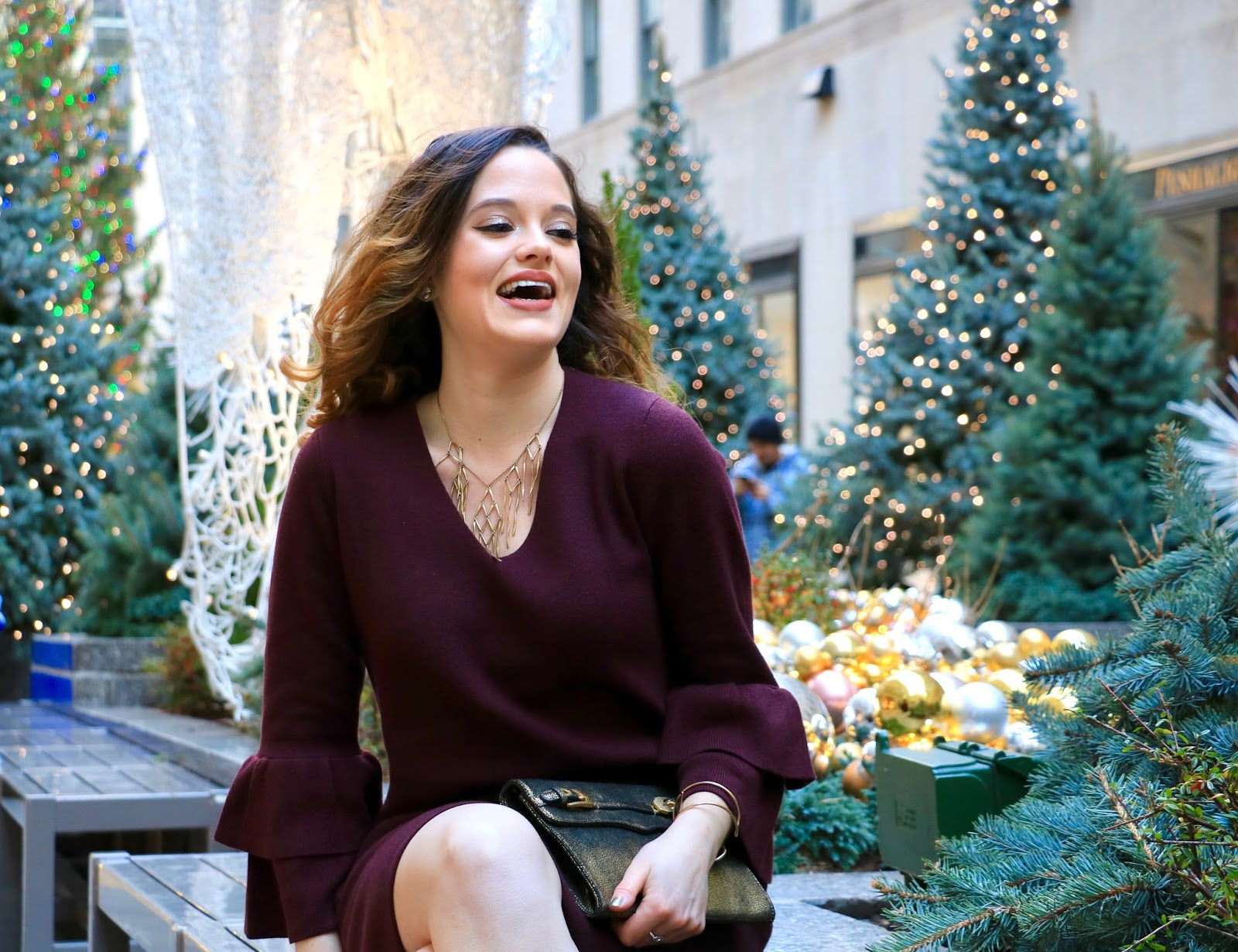 Nyc beauty blogger Kathleen Harper showing holiday makeup ideas