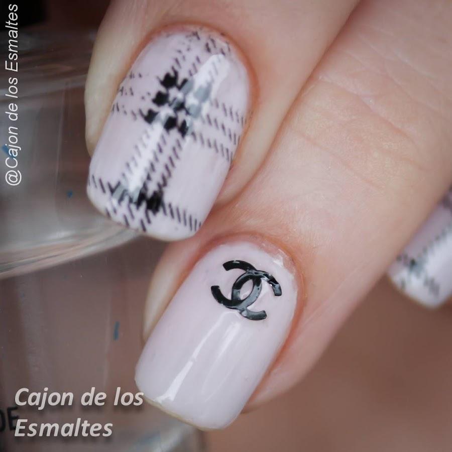 Diseño uñas Chanel