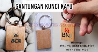 Gantungan Kunci Kayu