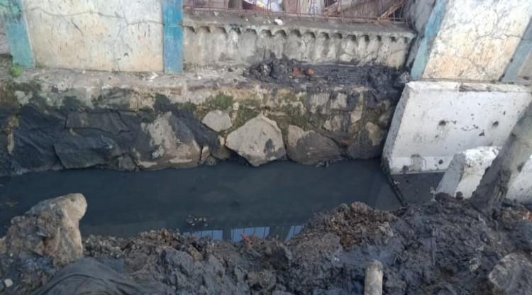 Pemasangan Spal U-Ditch Pagenjahan-Gandaria, Diduga Tidak Sesuai Spesifikasi Teknisi