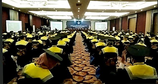 Gelar Wisuda di Hotel Mewah, Uniba Surakarta Lahirkan Ratusan Sarjana Siap Kerja