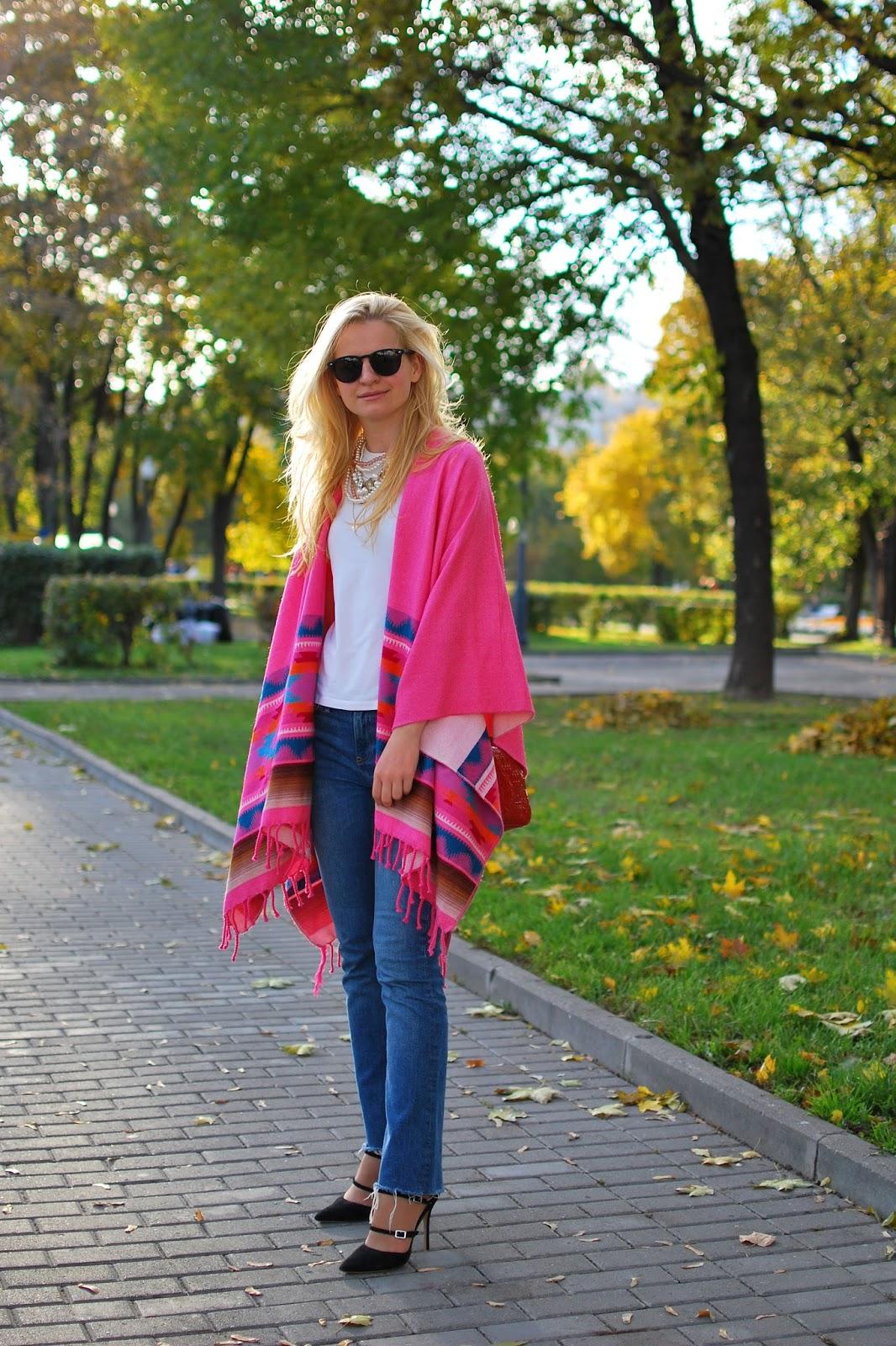 с чем носить пончо, луки для блондинок, уличная мода осень 2016, уличная мода