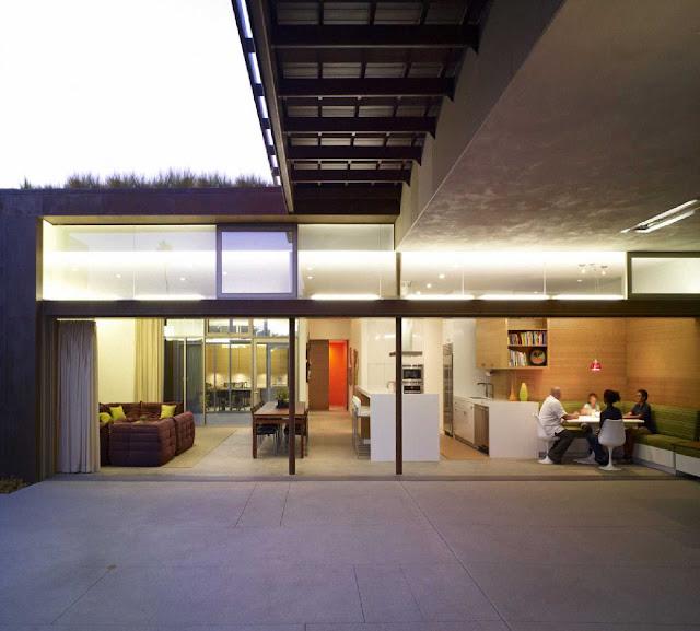 08 Yin-Yang House by Brooks + Scarpa Architects