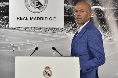 وفاة شقيق زيدان تُبعده عن معسكر ريال مدريد