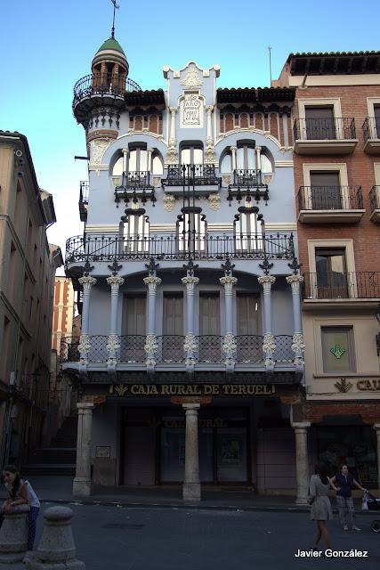 Edificio modernista El Torico. Teruel