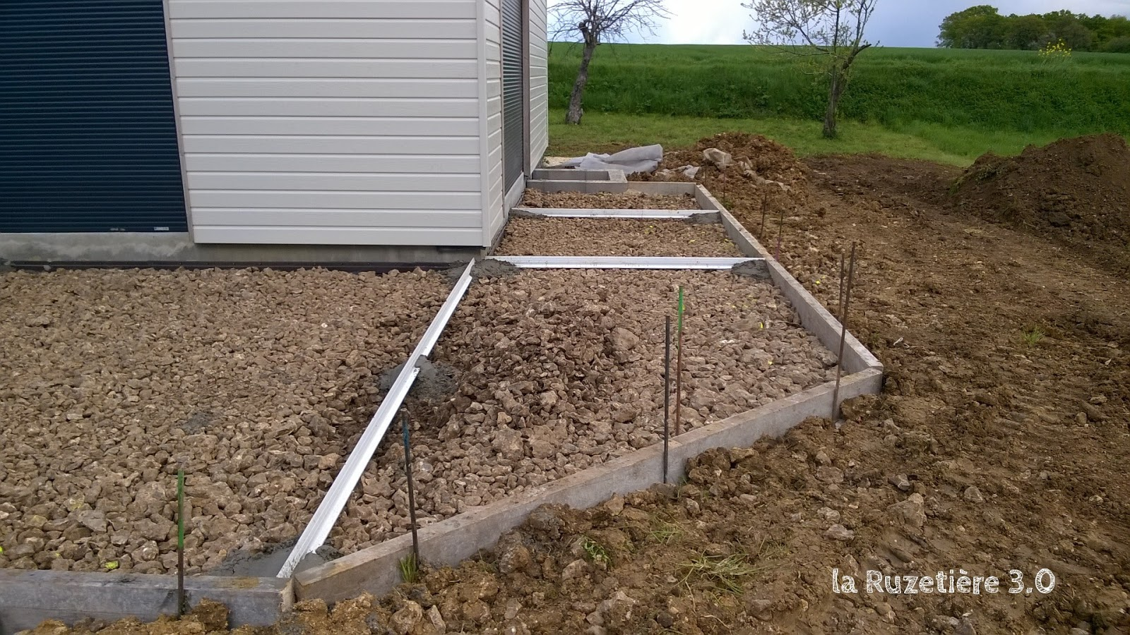 Good couler une dalle beton 10 coffrage dalle for Couler dalle beton garage