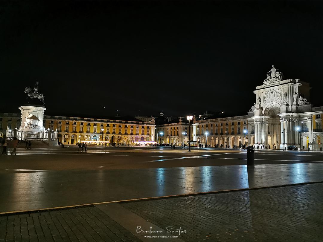 Praça do Comércio, Lisbon, Portugal, by night. All photos by Barbara Santos (Huawei P30 Pro)