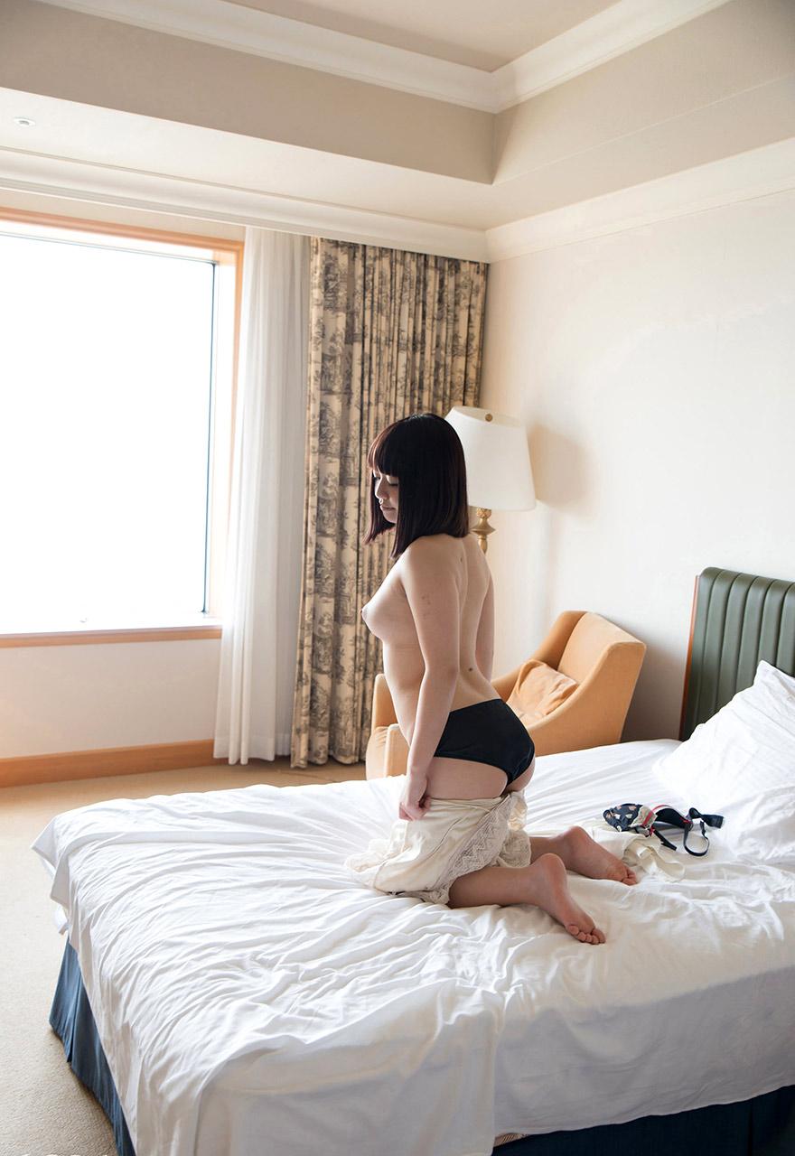 yuu tsujii hot naked pics 03