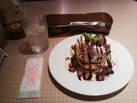 バースデーパンケーキ¥0-2 デニーズ小田井店
