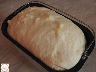 Aluat dospit la masina de copt paine preparare reteta,