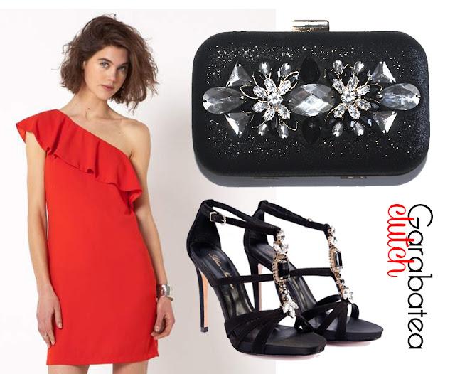 Clutch joya, bolso fiesta negro para look de invitada con vestido rojo