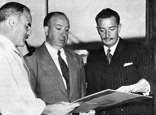 Salvador Dalí junto a Alfred Hitchcock