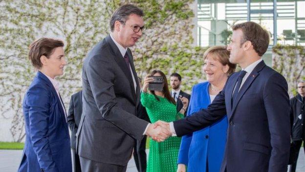 Mέρκελ - Μακρόν: Ευχαριστούμε Τσίπρα - Ζάεφ για τη συμφωνία των Πρεσπών