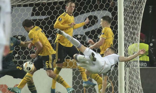 Video Vitoria Guimaraes 1-1 Arsenal: Vô-lê tuyệt đỉnh, kịch tính phút bù giờ 2