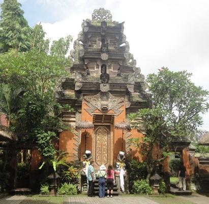 Ubud Royal Palace - Ubud, Royal Palace, Puri Saren, Bali, Holidays, Tours, Attractions