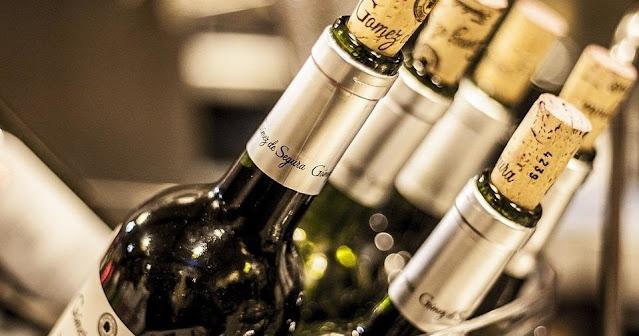 Błędy przy zakupie wina na prezent