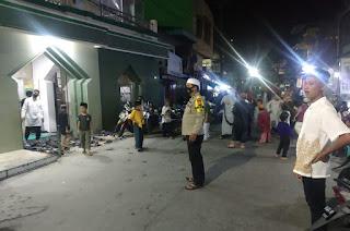 Bhabinkamtibmas Polsek Enrekang Lakukan Pengamanan Masjid dan Shalat Tarawih