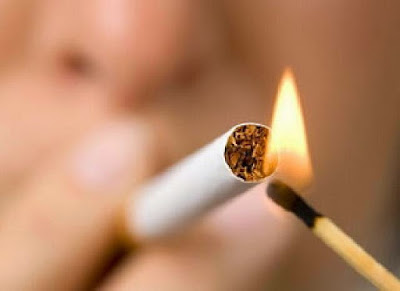 Merokok Tidak Baik untuk kesehatan diri dan kantong anda. Bukan masalah anda merokok. Anda seorang perokok juga tidak masalah. Tapi jika orang lain menderita karena asap rokok yang anda timbulkan berarti anda cari masalah.  Sumber Foto Riau Aktual