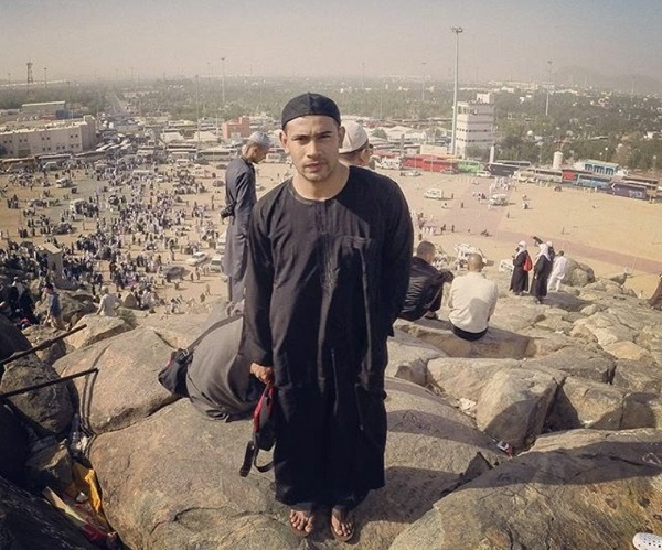 Remy Ishak Jumpa Jemaah Mirip Bapanya Ketika di Makkah