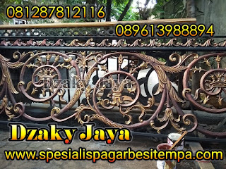 railing-balkon-besi-tempa-balkon-klasik-23
