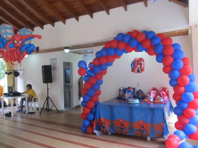 Decoracion con globos del hombre ara a decoraci n for Decoracion de globos para hombres