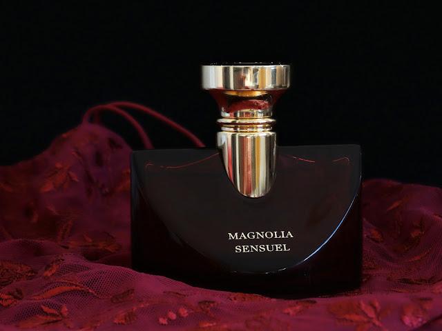 Magnolia Sensuel Splendida Bulgari avis, Splendida Bvlgari Magnolia Sensuel avis, blog parfum, avis parfum, parfum au magnolia, fragrance, avis parfum bvlgari, bulgari magnolia sensuel avis