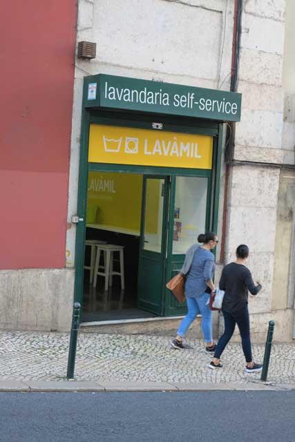Lisbon self-service laundry
