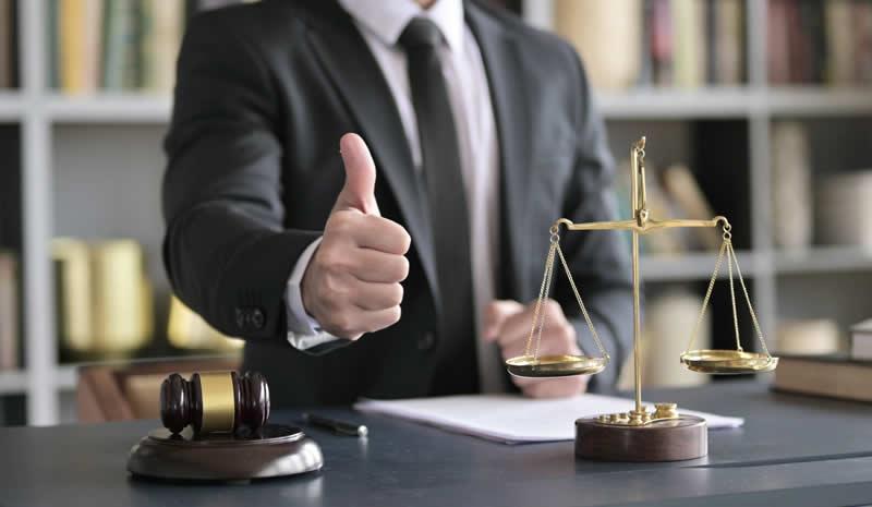 Recuperar los gastos médicos incurridos por tu propia cuenta. Â¿Necesito abogado para demandar en accidente de auto?
