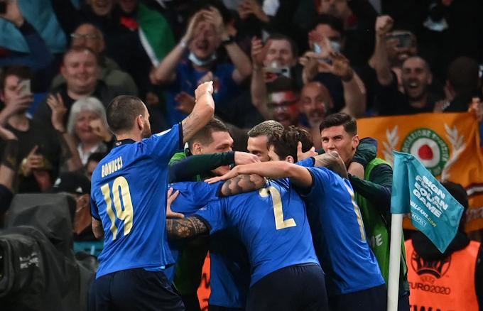 Euro '21: tre giornalisti italiani positivi al Covid