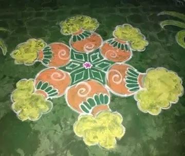 Pots-with-different-style-Sankrankthi-muggulu