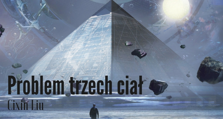 Piramida egipskie o powierzchni przypominającej procesor, wokół unoszące się kamienie. W jej stronę zbliża się mała ludzka sylwetka. W tle elementy jakiejś maszyny i białe słońce.