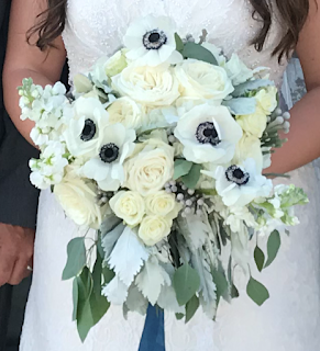 Texas Bride with her wedding flowers