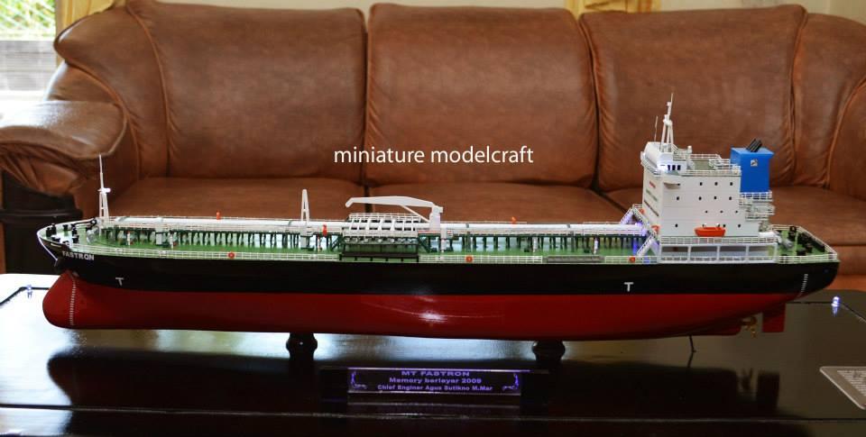 foto sketsa miniatur kapal tanker mt fastron pt pertamina jakarta indonesia planet kapal rumpun artwork terbaru