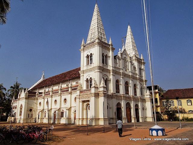 A Basílica Santa Cruz, em Kochi