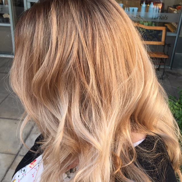 sombre blonde hairstyle