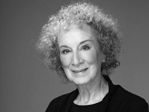 MISCELÁNEA Antes y después de Margaret Atwood. Recuento poético | Redacción Bitácora de vuelos