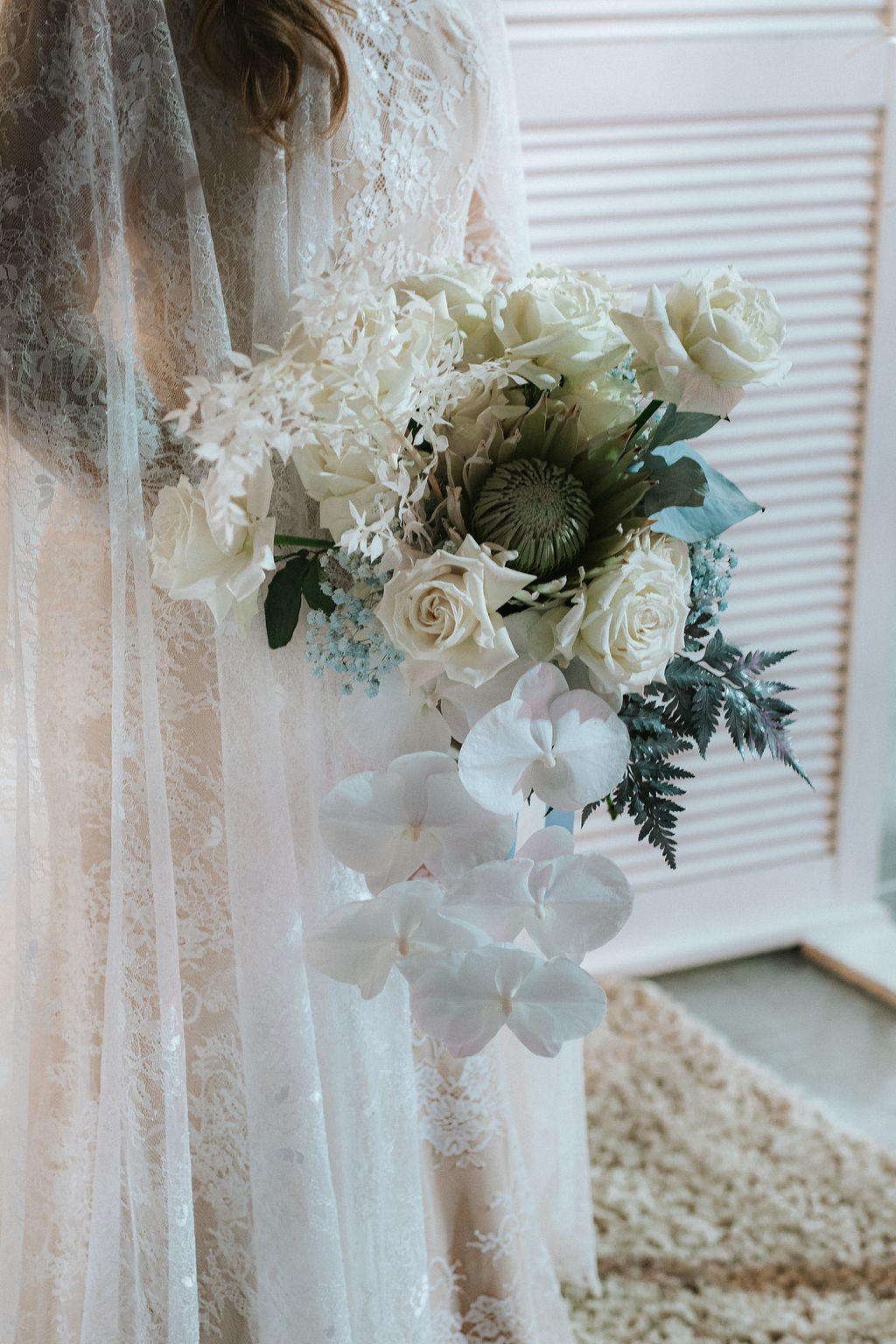 STYLED: DISNEY INSPIRED FROZEN WEDDING SHOOT   BRISBANE QLD