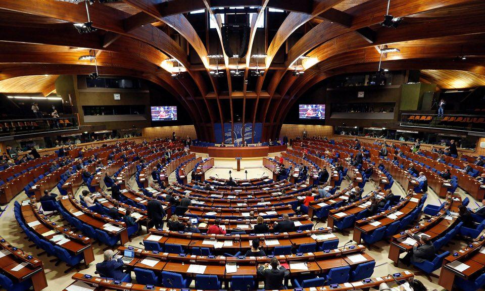 Μέλη της κοινοβουλευτικής συνέλευσης του Συμβουλίου της Ευρώπης συμμετέχουν σε μια συζήτηση για την τουρκική δημοκρατία, στο Στρασβούργο.