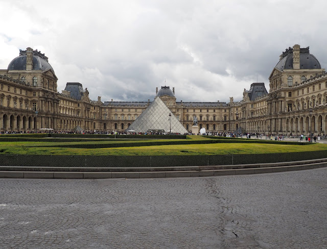 24 hours in Paris - The Louvre