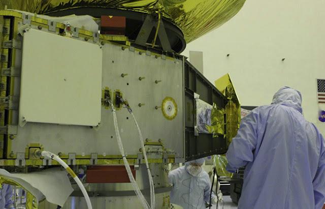 Cientistas da missão New Horizons