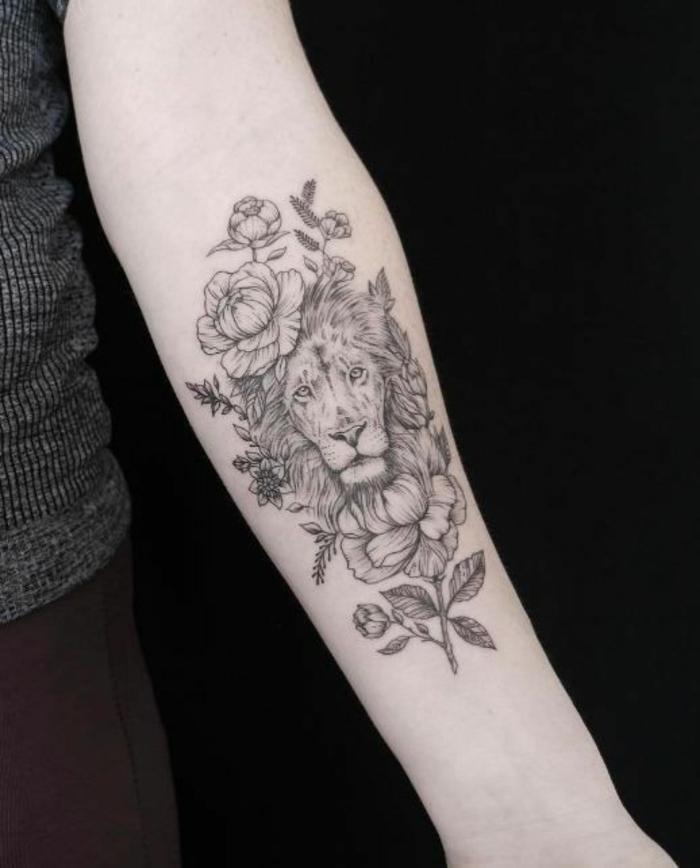 lion-tatouage féminin-2