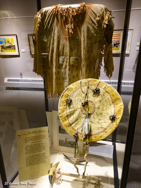 Indumentaria de la Danza de los Espíritus - Akta Lakota Museum